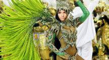 Fotomontaje en el rostro de una bailarina de samba de brasil