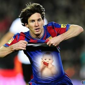 En este fotomontaje tu foto aparecerá en el polo de Messi