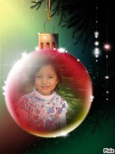 fotomontaje en bolita de árbol de navidad